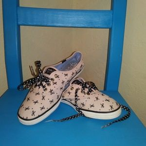 35fb582453eaa8 Keds Taylor Swift s Champion Herringbone Bow Print